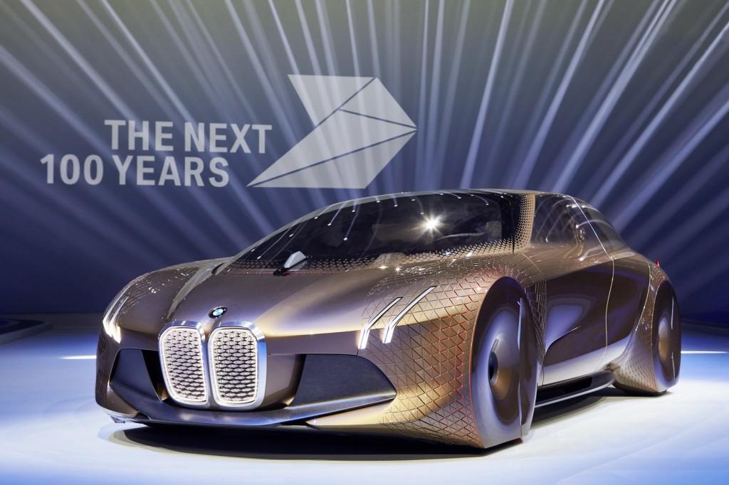 BMW VISION NEXT 100 – mașina autonomă a viitorului