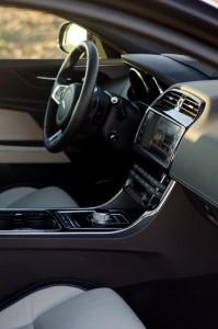 Jaguar XE Drive test (5)