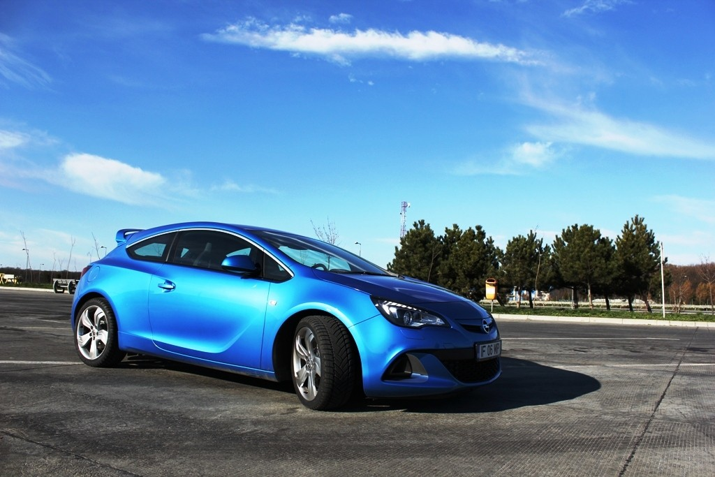 Opel Astra OPC – cel mai extrem hot-hatch