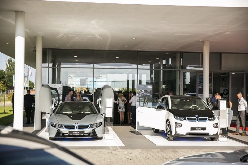 Triplare a vânzărilor de mașini ecologice în România în prima jumătate a lui 2017