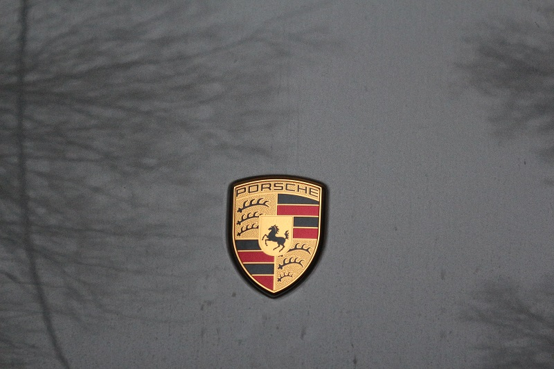 Porsche analizează posibilitatea renunţării la motoarele diesel