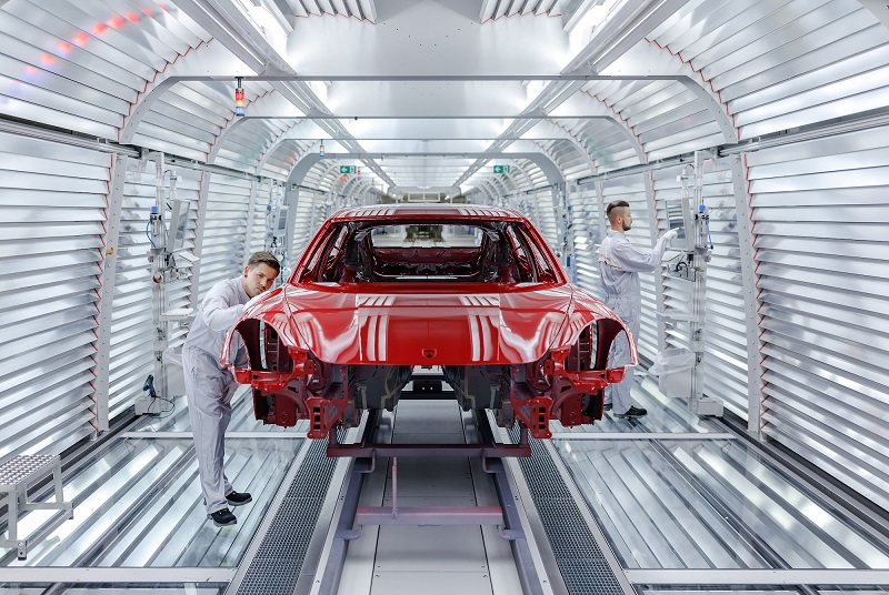 Noua generație Porsche Panamera va fi produsă în întregime la fabrica din Leipzig