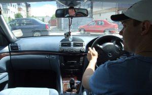 Volan pe dreapta