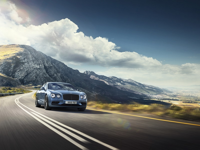 Bentley a lansat noul Flying Spur W 12 s