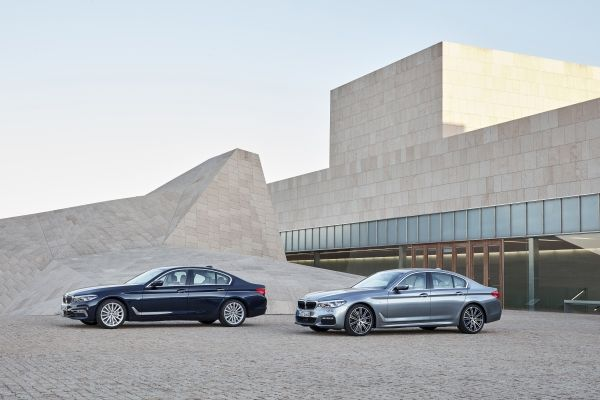 BMW a prezentat noul Seria 5 sedan