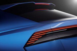 Audi-Q8-11