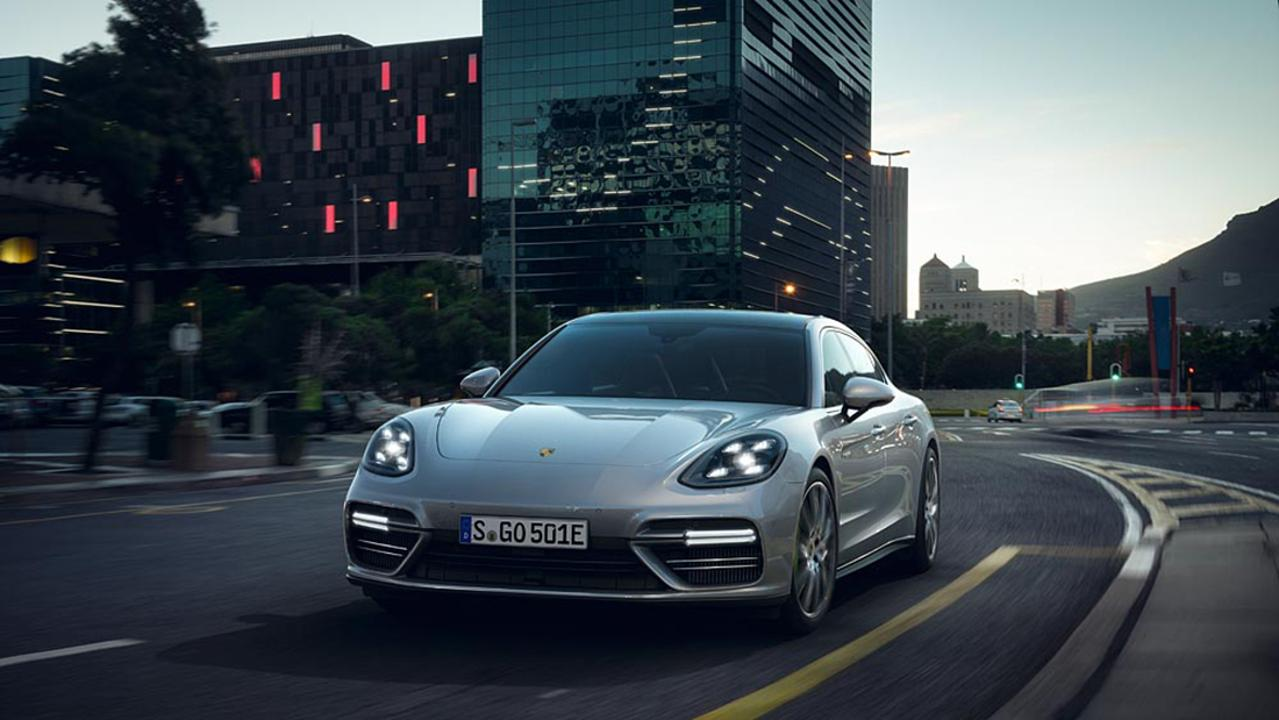 low_panamera_turbo_s_e_hybrid_executive_2017_porsche_ag (1)
