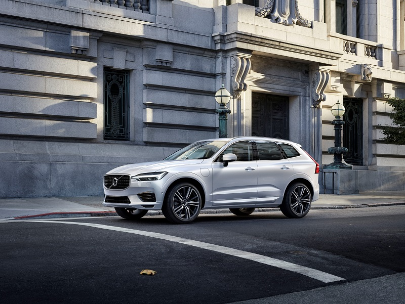 Volvo Cars lansează noul SUV premium XC60 la Salonul Auto International din Geneva