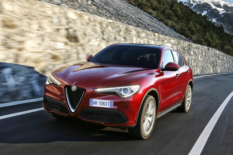 Alfa-Romeo_Stelvio_10