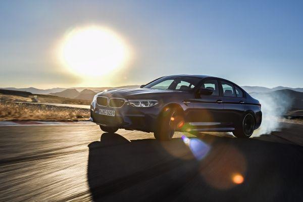 BMW a prezentat noul M5. Vine cu tracțiune integrală