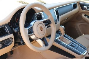 Porsche MACAN 2.0 turbo (9)