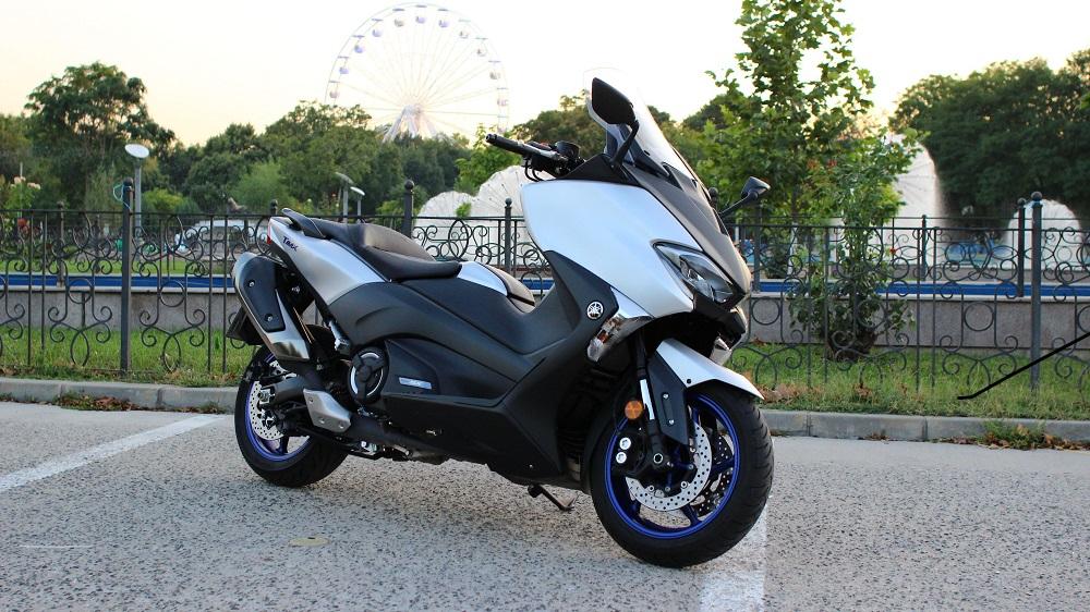 Yamaha TMAX – sportiv și modern