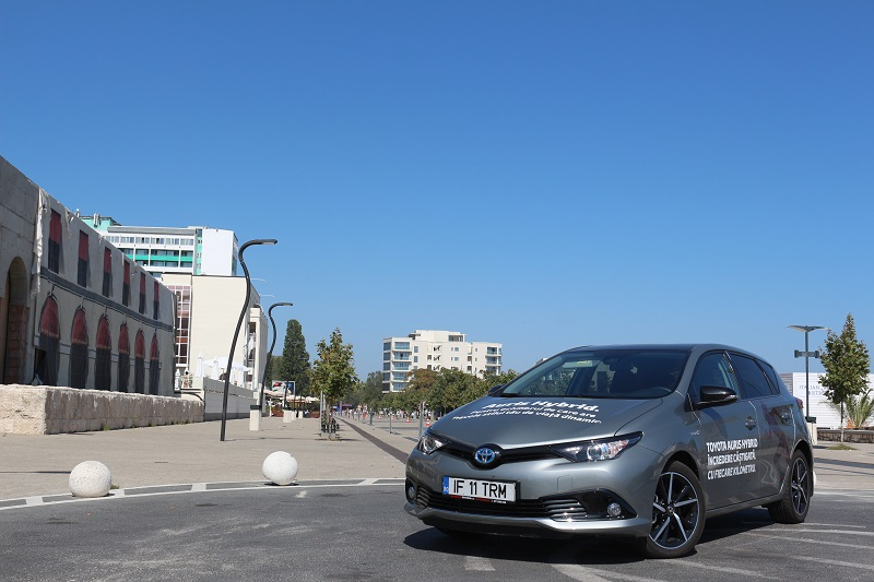 Toyota Auris Hibrid – tradiție eco