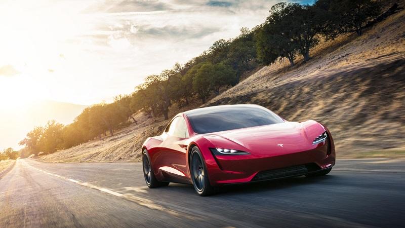 Tesla a prezentat noua generație Roadster