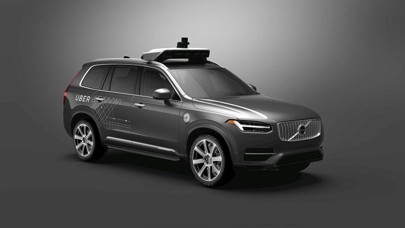 Uber SUSPENDĂ testarea maşinilor fără şofer în SUA după ce un pieton a fost lovit mortal