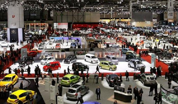 Paris-Motor-Show-2016-560x329