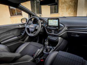 Prim contact test cu Ford Fiesta Active (9)