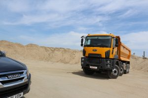 Camion constructii Ford cu ISUZU (3)