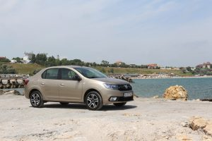 Test Dacia Logan Black&White (1)