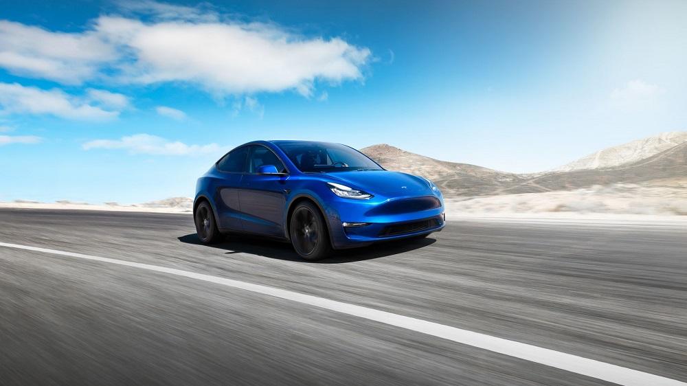 Tesla a depăşit luni o capitalizare de 1.000 de miliarde de dolari, după o comandă record