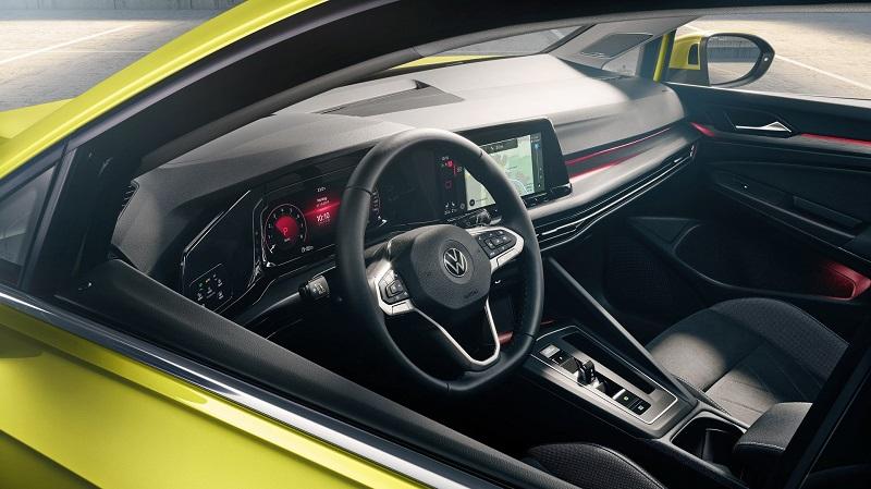 Volkswagen AG înrăutăţeşte perspectivele privind livrările în 2021
