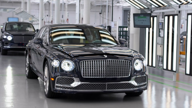 Bentley inaugureaza noul Centru de Excelență pentru Finisarea Vehiculelor la Crewe