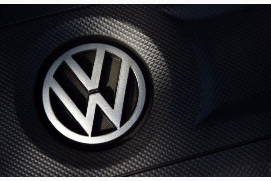 """Gigantul german auto Volkswagen, inculpat în Franţa, după Renault, pentru """"înşelătorie"""", în scandalul """"dieselgate"""""""