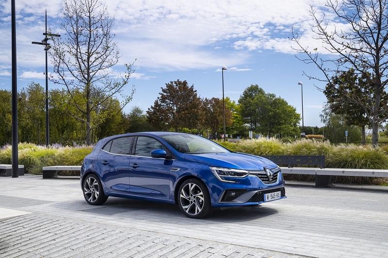 Renault a fost pusă oficial sub acuzare în Franţa pentru înşelătorie, în cazul emisiilor diesel
