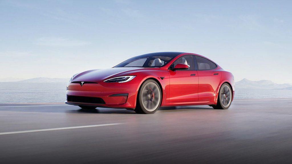 Tesla lansează o versiune high-end a Model S